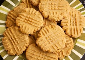peanut-butter-cookies-recipe-640x450