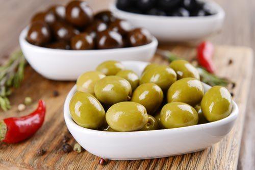 olives-8477350