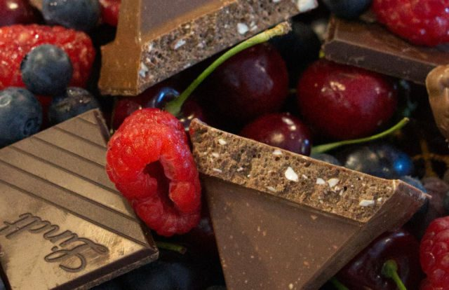 berrys-and-chocolate-platter-9206950