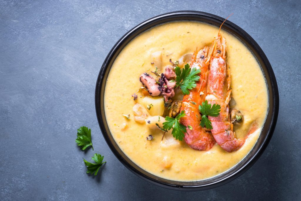chowder-soup-with-seafood-and-prawn-shrimps-273znqe-1024x683-1368451