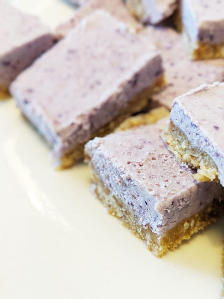 blueberry-cheesecake-squares-close-up-768x1024-1612394