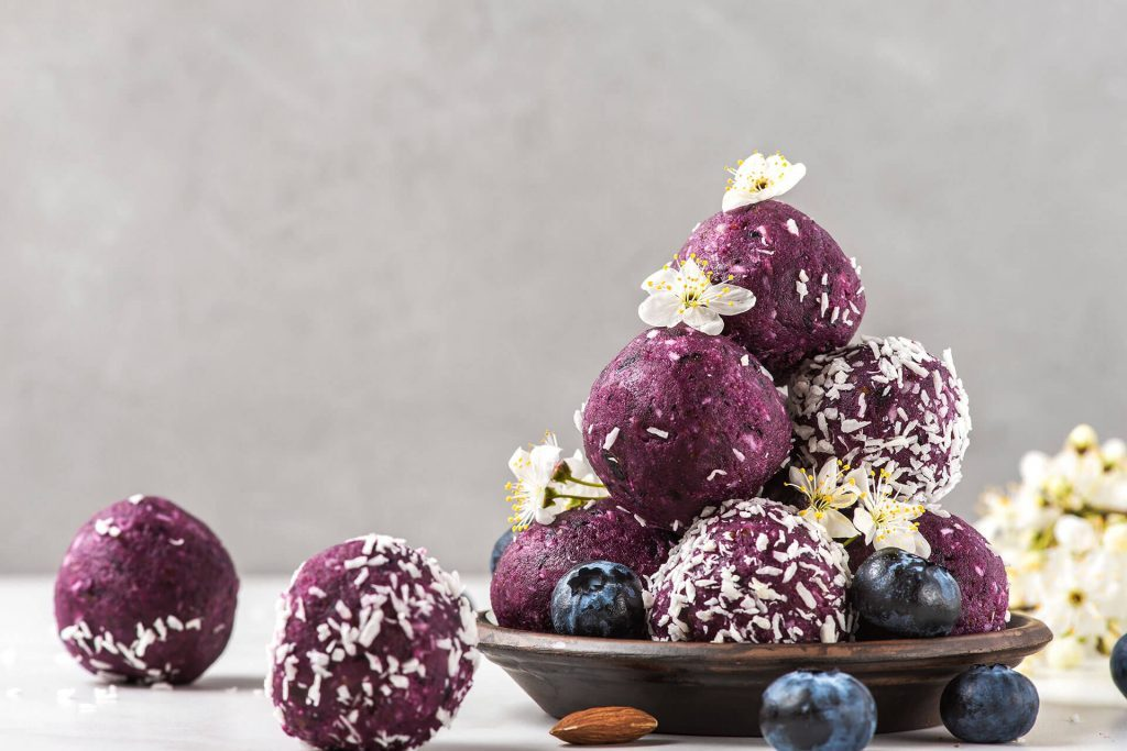 blueberry-energy-balls-1024x683-6162222