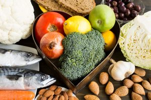 protein, fibre and healthy fat diet - Almonds, fruits, brocoli, fish