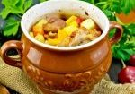 roast-meat-and-potatoes-in-pot-on-board-pcsurj4_tiny-1024x683-9736712